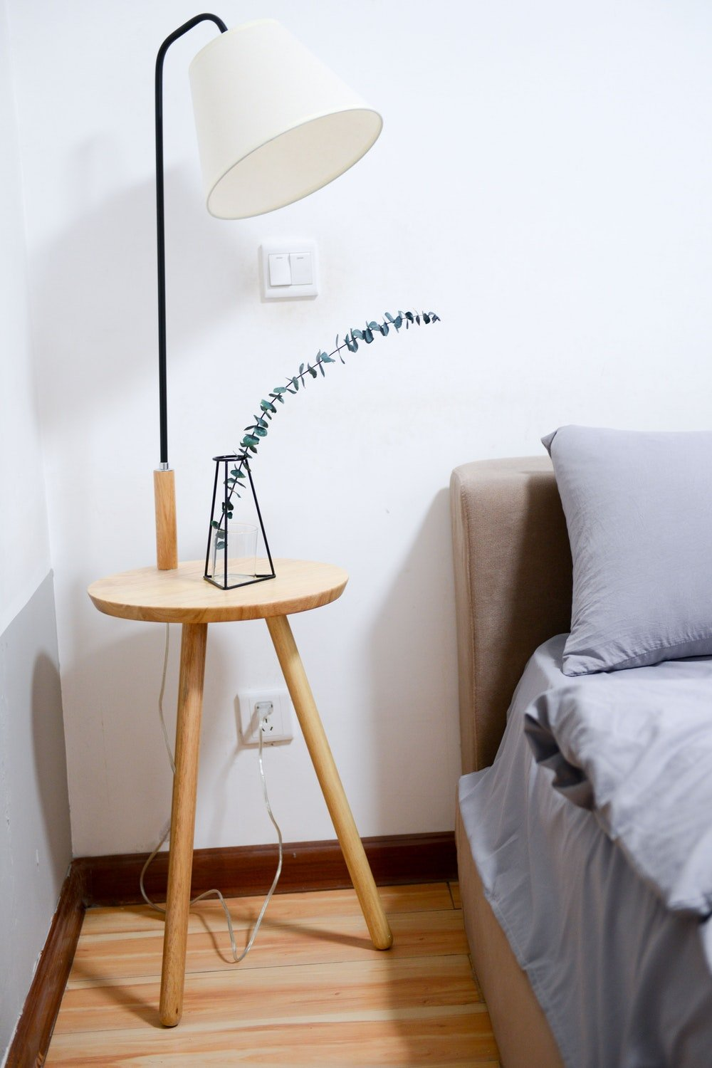 Picture of: Best Minimalist Bedside Lamps Reviewed Of 2020 Unique And Elegant